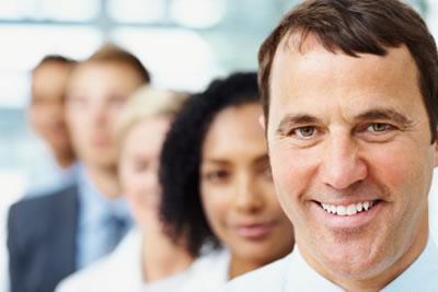 Líder com energia e entusiasmo